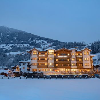 Hotel Riedl im Winter