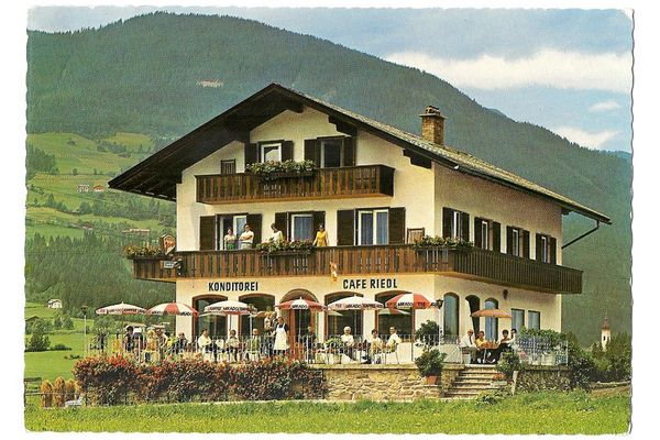 Pastry shop and cafe at Hotel Riedl in the Zillertal