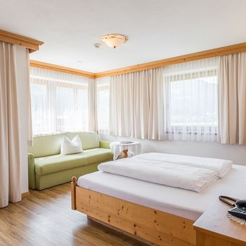 Comfort room for 2-3 people
