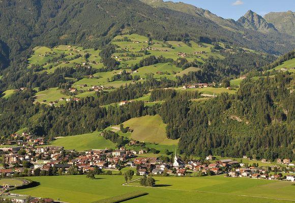 Ihr Wellnesshotel Im Zillertal Tirol 4 Sterne Hotel Riedl