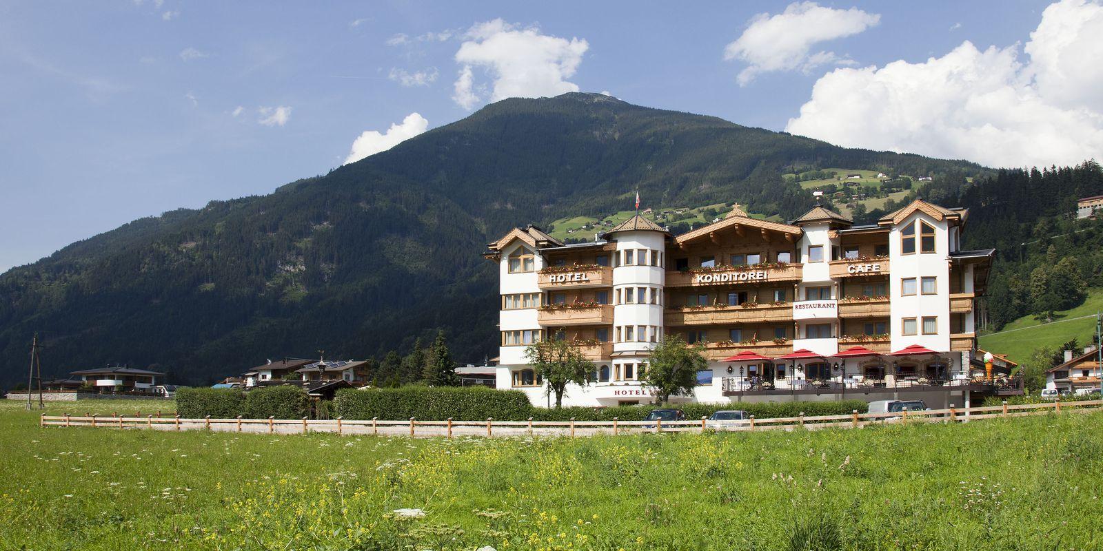 Hotel Riedl Stumm Zillertal mit Umgebung