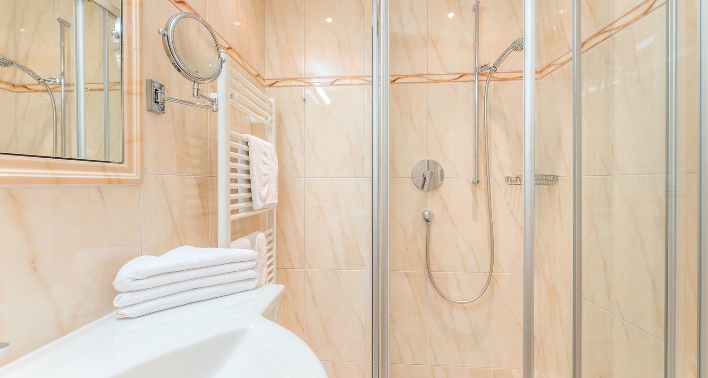 Badezimmer im Zirben-Zimmer
