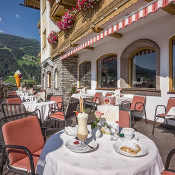 Sunny terrace with view of the Zillertal mountains