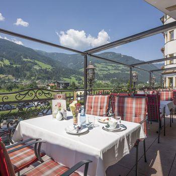 Im Cafe Riedl mit Sonnenterasse genießen Sie mir Panorama-Blick